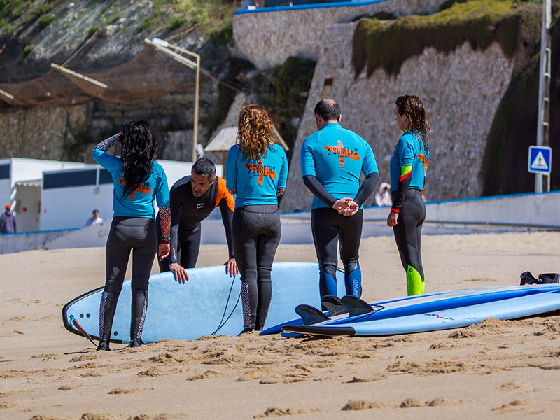 3 surfers surf school ericeira